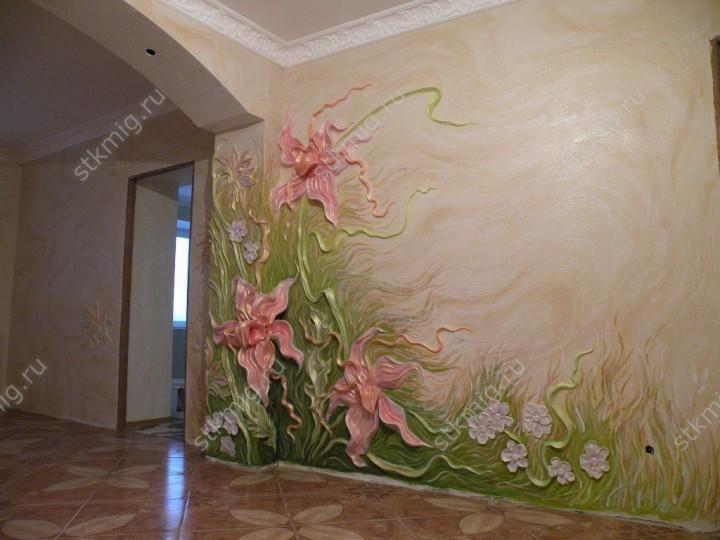 Гипсовая лепнина на стене